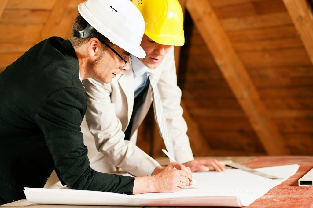 home construction planning by engineer and architect