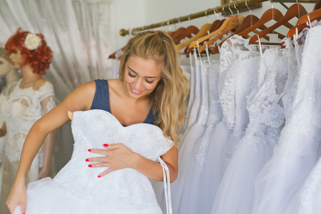 What to Remember When Shopping for Wedding Dresses