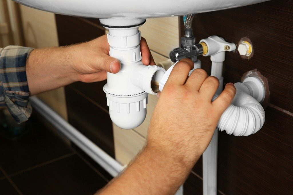 Fixing clogged pipes
