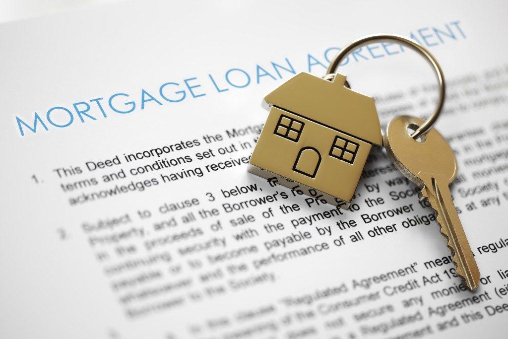 house keys and mortgage